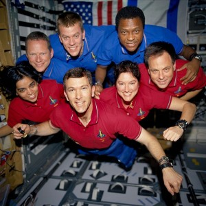 800px-STS-107_crew_in_orbit